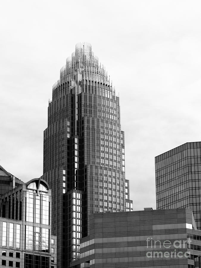 Bank Of America Corporate Center Photograph - Building With A Crown by Robert Yaeger