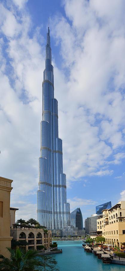 Burj Khalifa  by Dragan Kudjerski