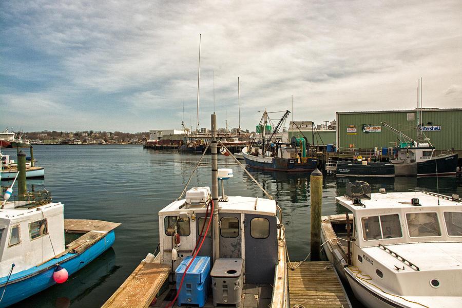 Gloucester Photograph - Busy Gloucester Harbor by Nancy De Flon