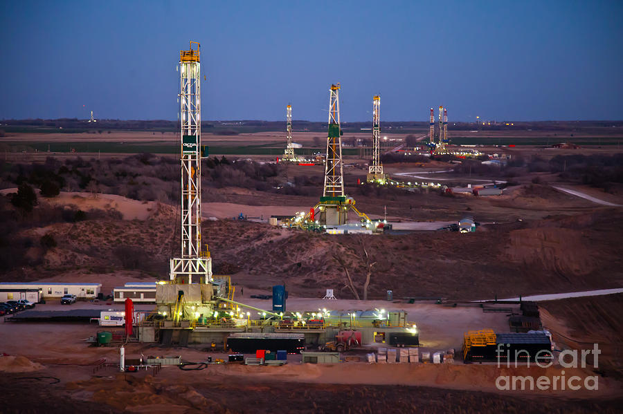 Oil Rig Photograph - Cac001-147 by Cooper Ross