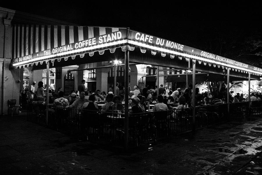 New Orleans Photograph - Cafe Du Monde by Jeff Mize