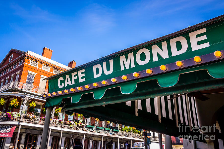 America Photograph - Cafe Du Monde Picture In New Orleans Louisiana by Paul Velgos