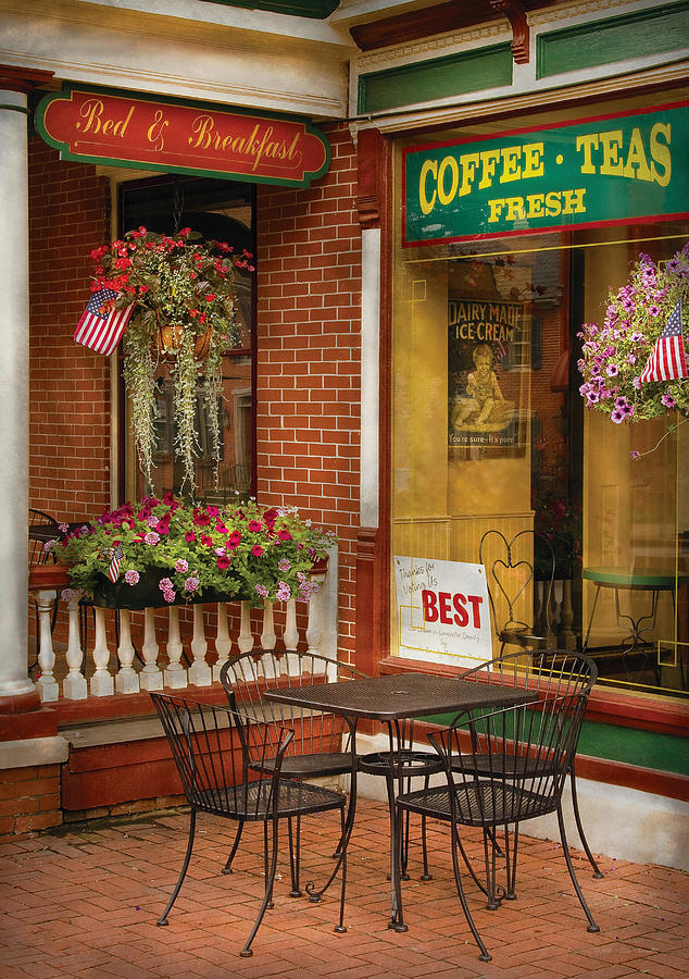 Ice Cream Photograph - Cafe - The Best Ice Cream In Lancaster by Mike Savad