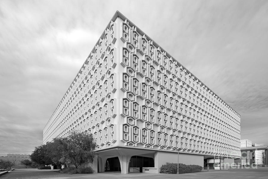 American Photograph - Cal State University Pollak Library by University Icons