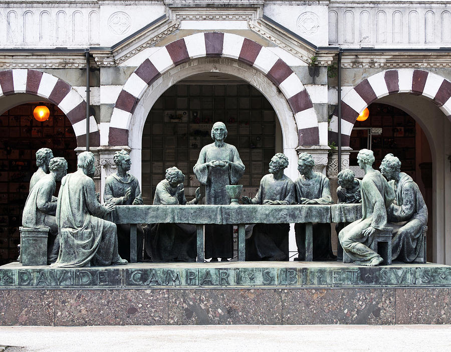 Resultado de imagem para The Monumental Cemetery milano  5 Monuments Milanais à Visiter Pendant iSaloni campari grave marker last supper monumental cemetery milan italy sally rockefeller