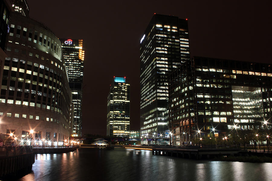 Canary Wharf Photograph - Canary Wharf At Night by Dan Davidson