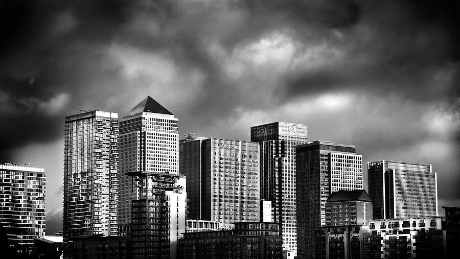 Canary Wharf London Photograph - Canary Wharf London by Mark Rogan