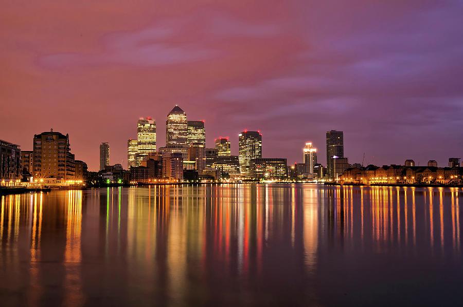Canary Wharf Sunrise Down The Thames Photograph by Esslingerphoto.com