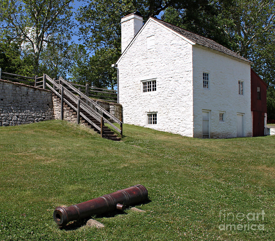 Hopewell Photograph - Canon And Building by Robert Sander