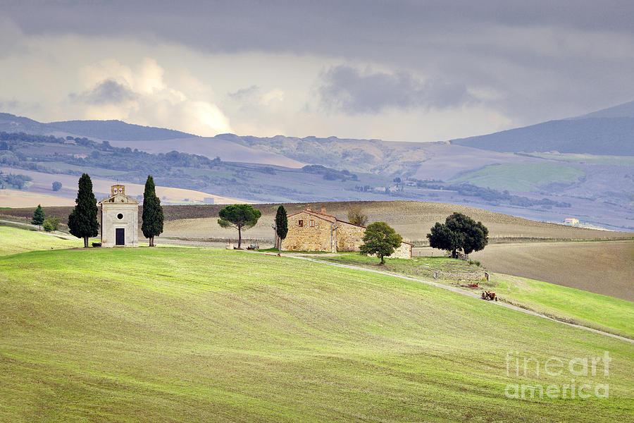 Europe Photograph - Capella De Vitaleta Church Near Pienza Tuscany Italy by Robert Leon