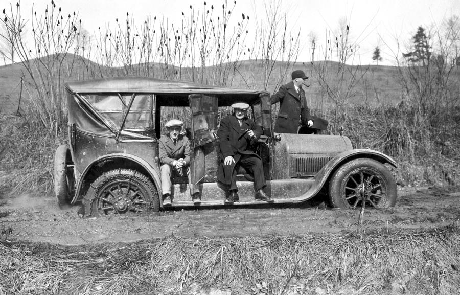 car-stuck-in-mud-underwood-archives.jpg