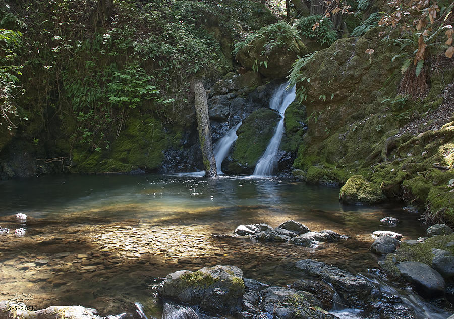 Waterfall Photograph - Cascade Falls by Kenneth Hadlock