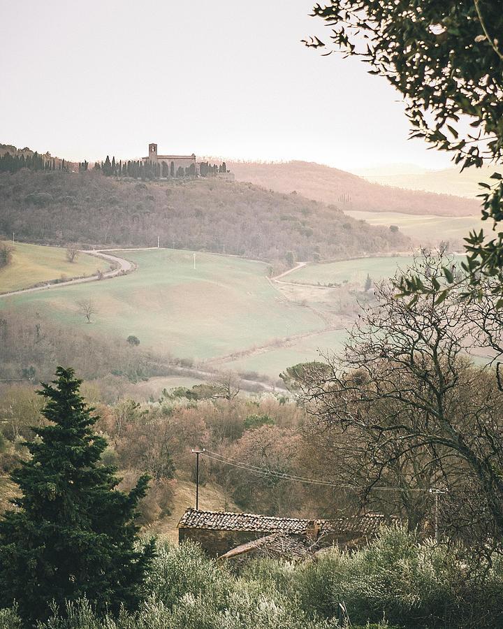 Fine Art Print Photograph - Castelmuzio Sunset by Clint Brewer