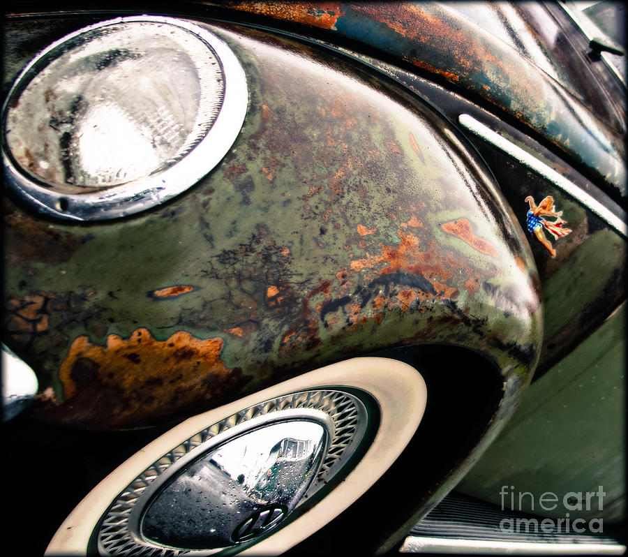 Vw Photograph - Catching Rust  by Steven Digman