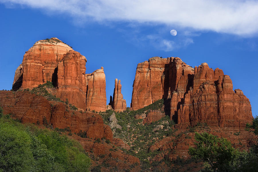Sedona Photograph - Cathedral Rock Moon Rise Color by Dave Dilli
