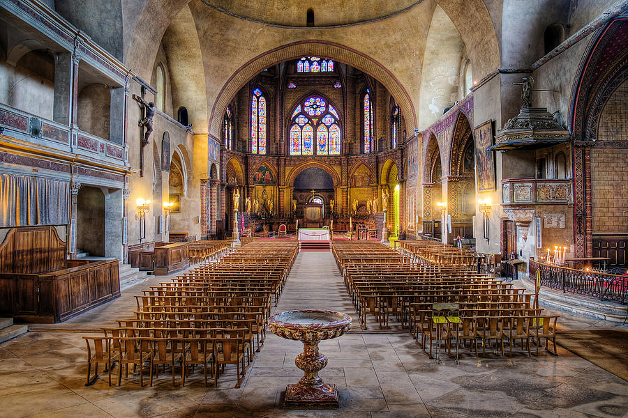 Saint Etienne Photograph - Cathedrale Saint-etienne Interior / Cahors by Barry O Carroll