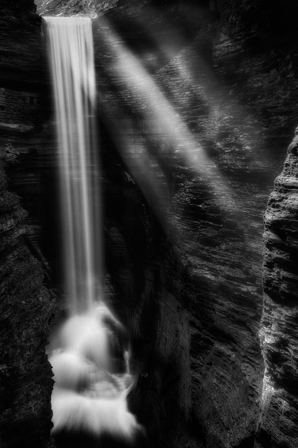 Watkins Glen Photograph - Cavern Cascade by Bill Wakeley