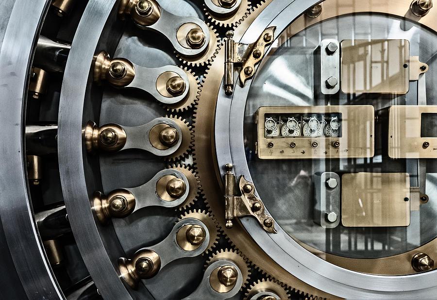 Chicago Board Of Trade Photograph - Cbot Vault Door by James Howe