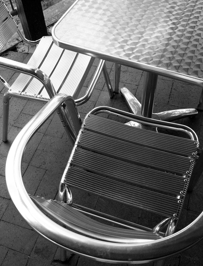 Abstract Photograph - Chair And Table by Joe Kozlowski
