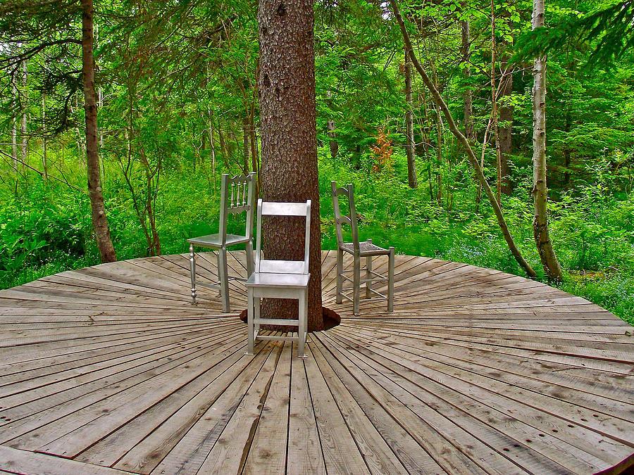 Chair sculpture in les jardins de metis reford gardens for Jardin de metis 2016
