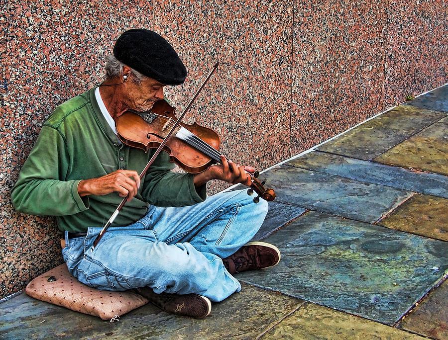 Charleston Fiddler by Don Margulis