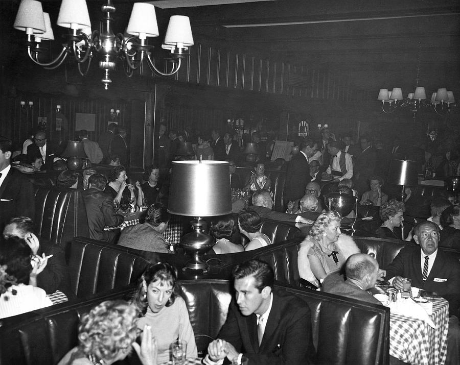 1960 Photograph - Chasens Hollywood Restaurant by Underwood Archives