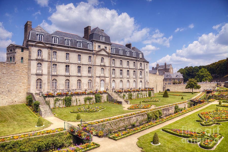 Brittany Photograph - Chateau De L Hermine Vannes Brittany by Colin and Linda McKie
