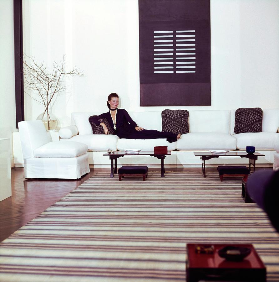 Chessy Rayner In Her Living Room Photograph by Horst P. Horst