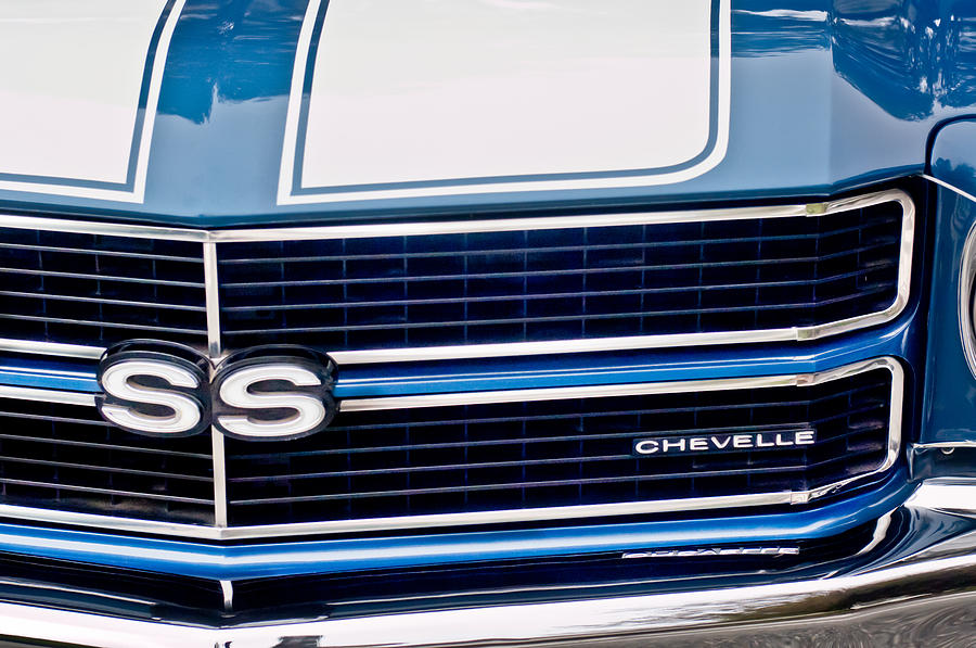 Grille Photograph - Chevrolet Chevelle Ss Grille Emblem 2 by Jill Reger