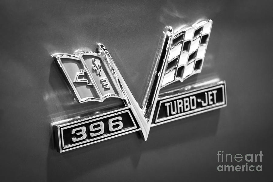 396 Photograph - Chevy 396 Turbo-jet Emblem Black And White Picture by Paul Velgos