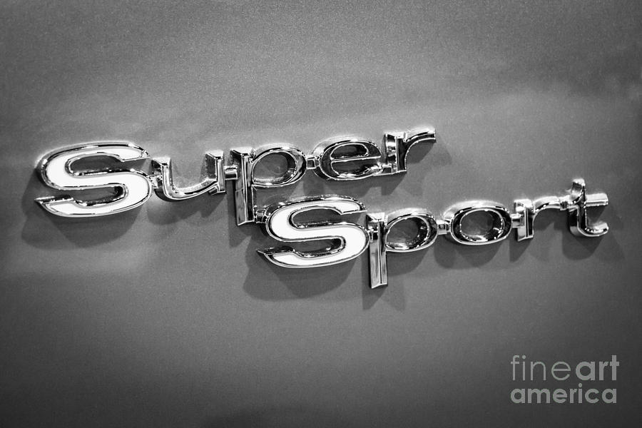 Chevrolet Photograph - Chevy Super Sport Emblem Black And White Picture by Paul Velgos
