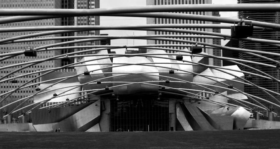 Chicago Photograph - Chicago Attraction by Lauren Wiesbrook