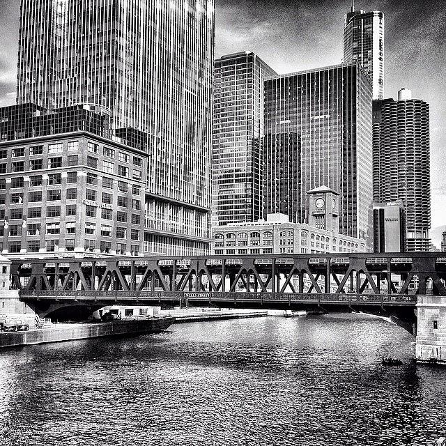 America Photograph - Wells Street Bridge Chicago HDR Photo by Paul Velgos
