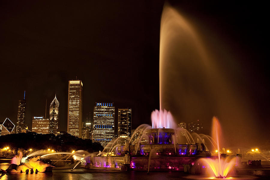 Chicago Photograph - Chicago Fountain At Night by Andrew Soundarajan