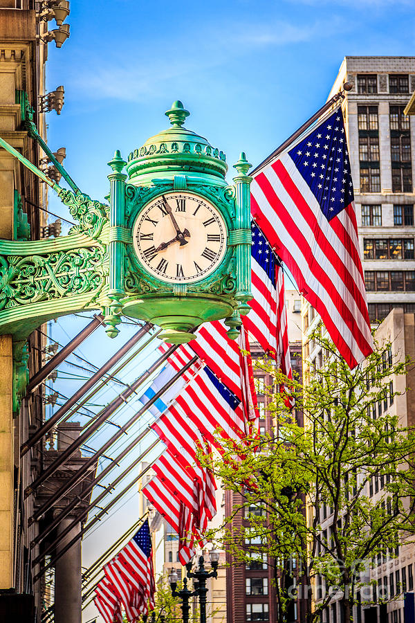 America Photograph - Chicago Great Clock On Macys Building by Paul Velgos