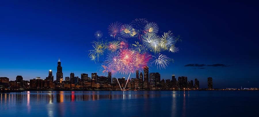Chicago Photograph - Chicago Lakefront Fireworks by Steve Gadomski
