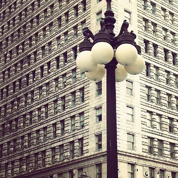 Chicago Photograph - Chicago Lamp Post by Jill Tuinier