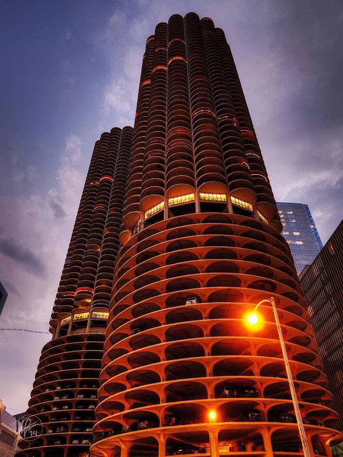 Chicago Photograph - Chicago - Marina City Twilight by Lance Vaughn