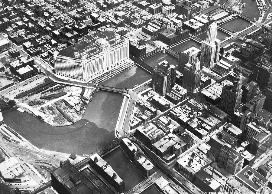 1920's Photograph - Chicago Merchandise Mart by Underwood Archives