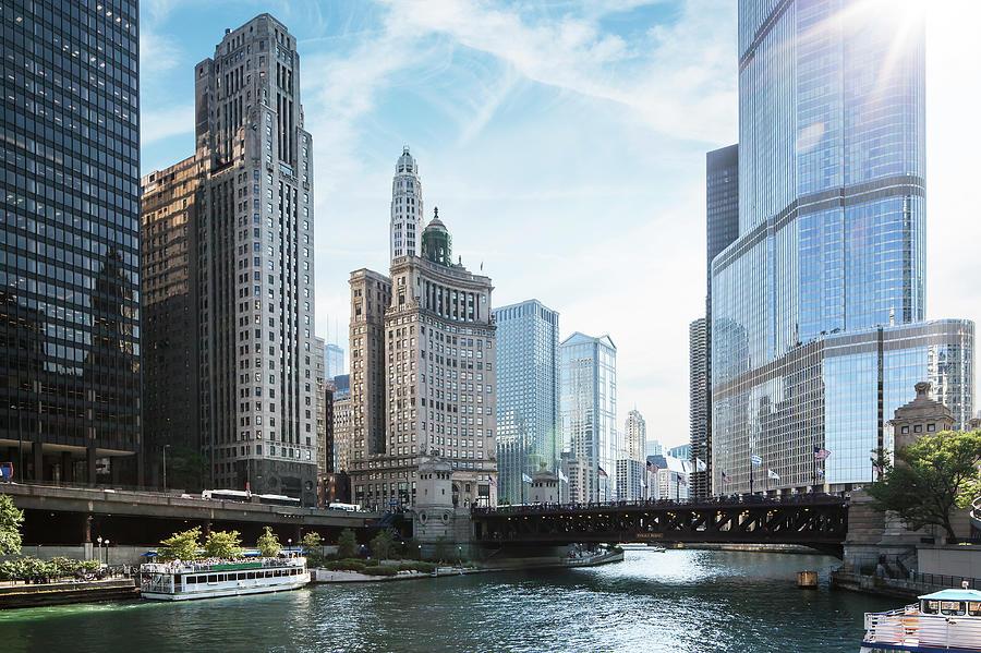 Wake Photograph - Chicago River by Bjarte Rettedal