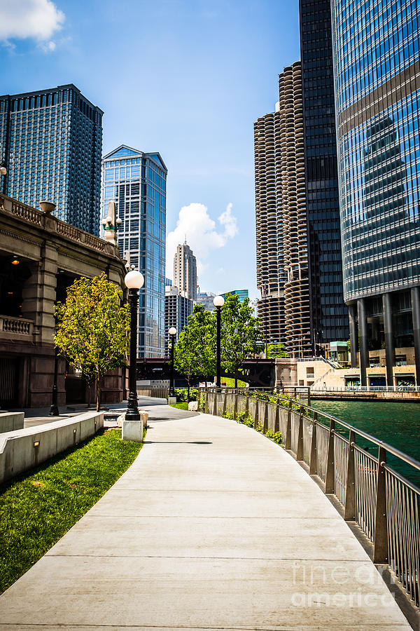 America Photograph - Chicago Riverwalk Picture by Paul Velgos