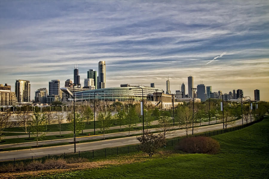 Chicago Skyline Photograph - Chicago Skyline From The Sledding Hill by Sven Brogren