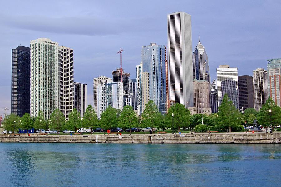 Chicago Photograph - Chicago Skyline by Suzanne Gaff