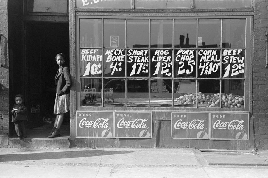 1941 Photograph - Chicago Store, 1941 by Granger