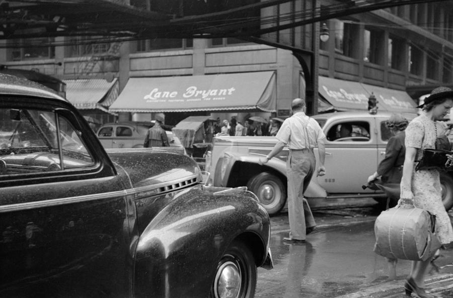 1941 Photograph - Chicago Traffic, 1941 by Granger