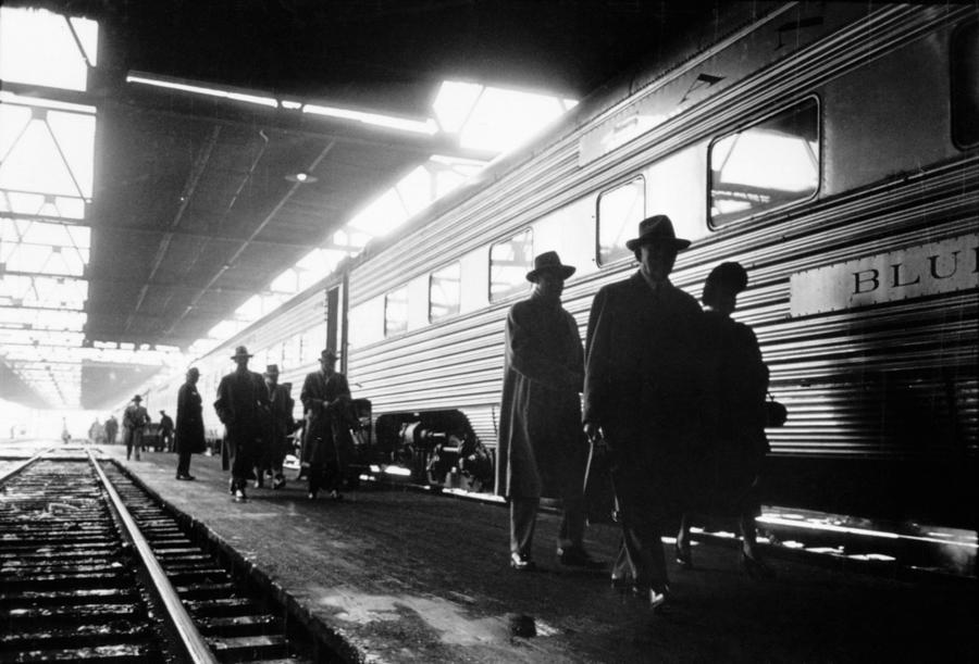 1949 Photograph - Chicago Train Station by Granger