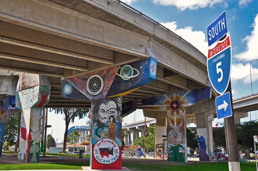 Color Photograph - Chicano Park by Todd Hartzo