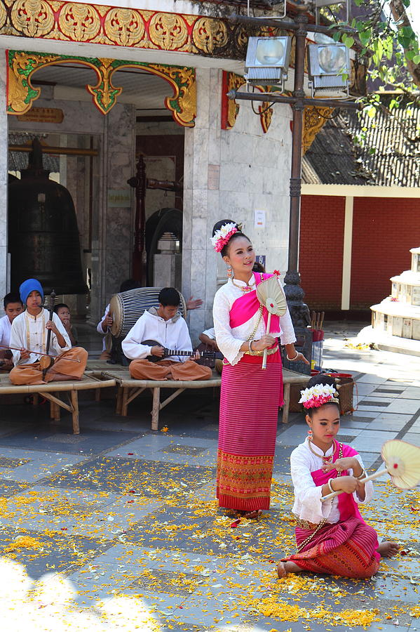 Chiang Photograph - Child Performers - Wat Phrathat Doi Suthep - Chiang Mai Thailand - 01132 by DC Photographer