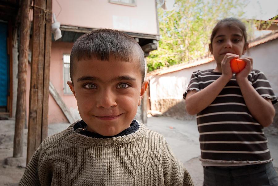 Children In Ankara Photograph by Pedro Nunez