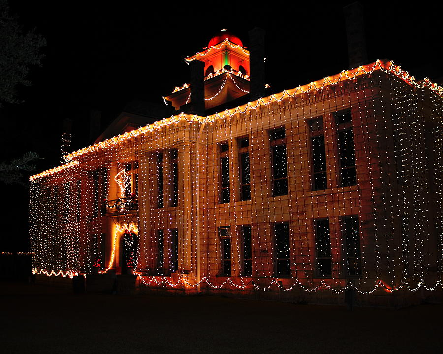 johnson city photograph christmas lights johnson city courthouse texas by terry fleckney